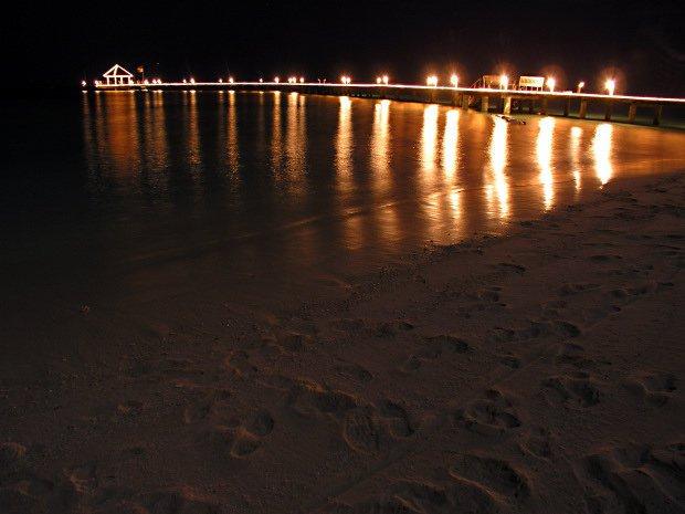 Spiaggia di Notte – Midnight Beaches